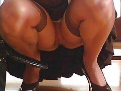 نوکر مدل پورنو جوان در طول استریپتز فیلم سکس هنده صمیمی می شود