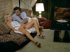 مادر خراب در لباس یک دیک سخت را در یک دانلود فیلم سکس س کراوات ستایش می کند